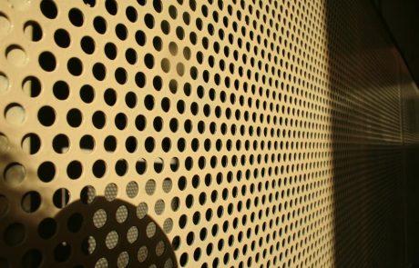 Hulladéktároló ajtaja Metmark perforált lemezből 3