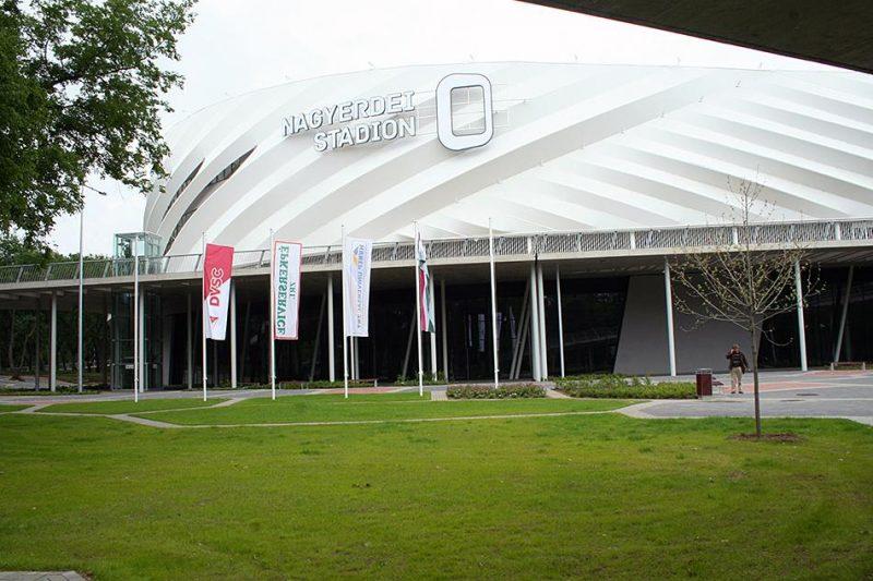Nagyerdei Stadion Debrecenben expandált lemez burkolat Metmark