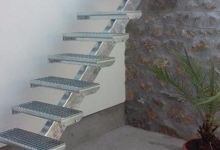 Metmark lépcső járórácsból 1