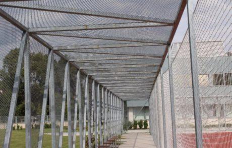 Sportpálya folyosó Metmark expandáltlemez felhasználással 6