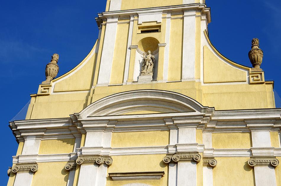 Szekszárd Belvárosi templom galambriasztása Metmark Kft. 6